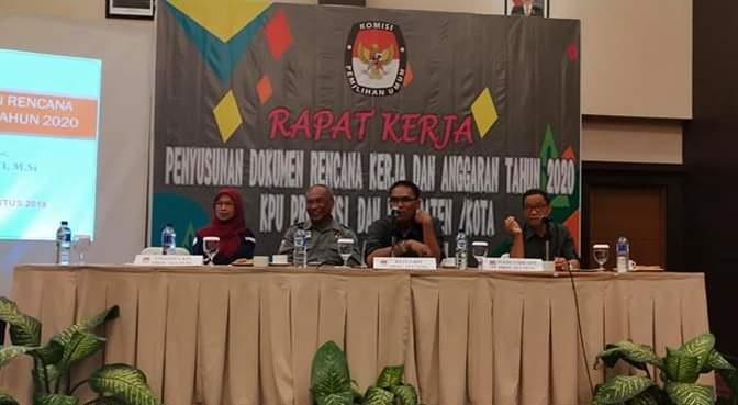 Honor KPPS Pilkada Diusulkan Naik Rp1 250 000 | Metro